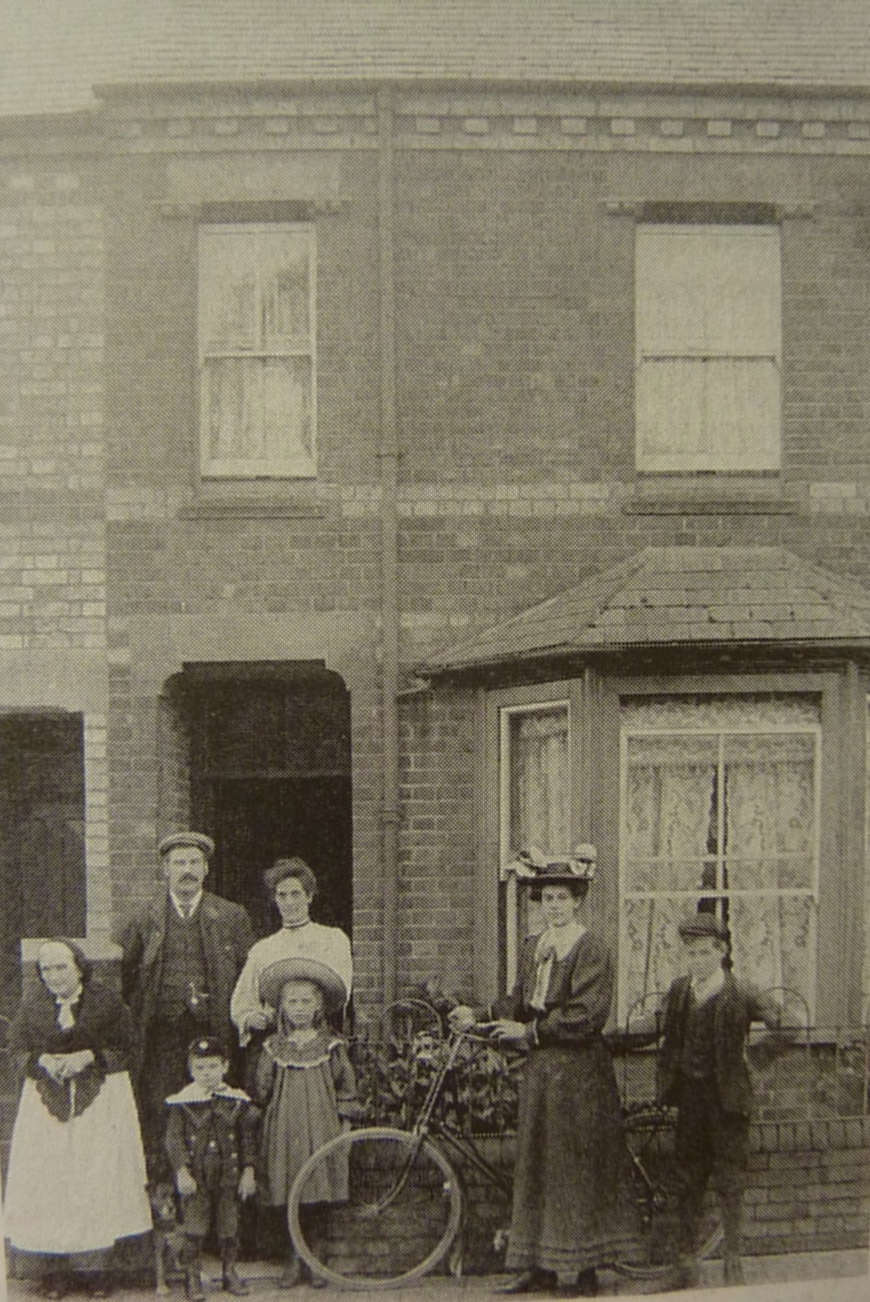 [50 Chilswell Road, Radburn family, c.1905]